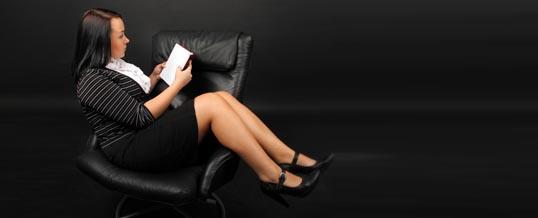 Czy duży fotel może skłaniać do oszustwa?