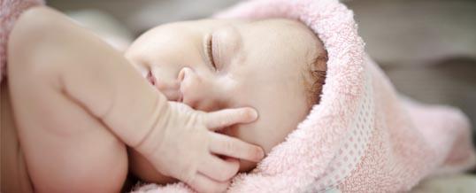 Ekspresje mimiczne noworodków