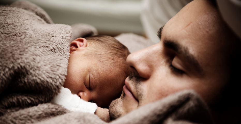 Jak noworodki widzą ludzi oraz ich ekspresje mimiczne?